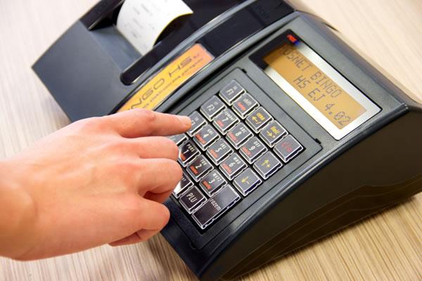 Kasa fiskalna Posnet Bingo HS EJ - Wybierz urządzenie z dwoma wbudowanymi ekranami